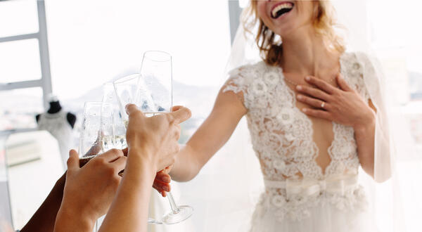 Who you should bring with you wedding dress shopping